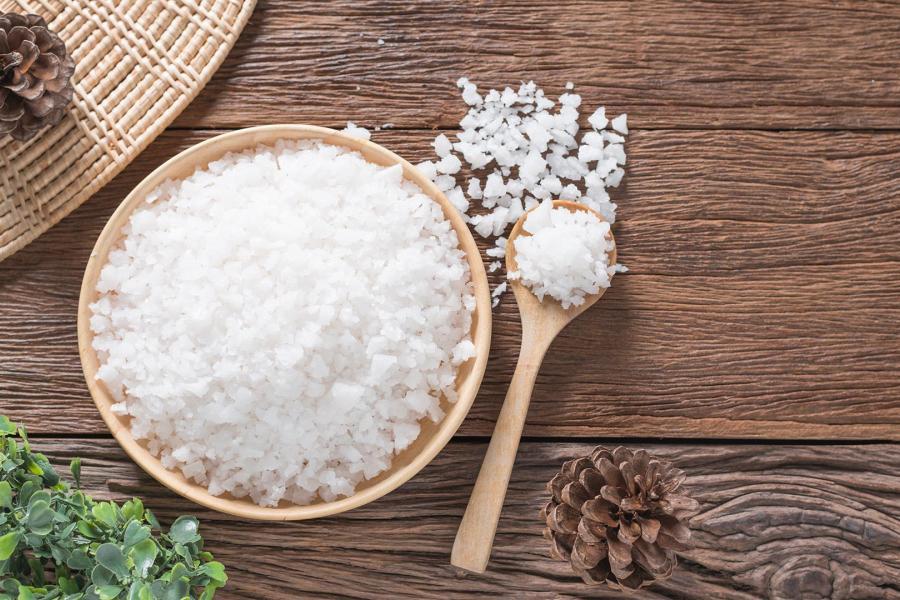 كيفية استخدام الملح الإنجليزي لتخفيف الإمساك